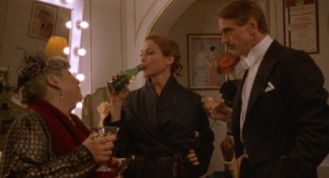 Being-Julia-2004-Annette-Bening-Jeremy-Irons-pic-7