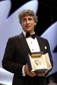 Alexander Paynecon recoge premio de Bruce Dern como mejor actor Foto V. Hache (AFP)