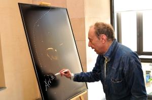 Arrieta firma con su sello especial la fotografía que quedará para el Festival (1)