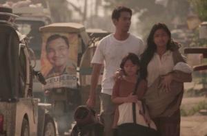 metro-manila-family_scene