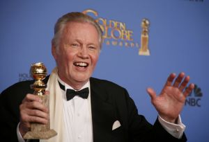 Jon Voight  mejor actor reparto por Ray Donovan  Lucy Nicholson Reuters